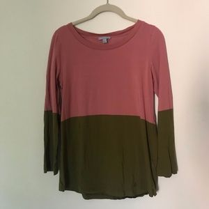 khaki and pink long sleeved t-shirt